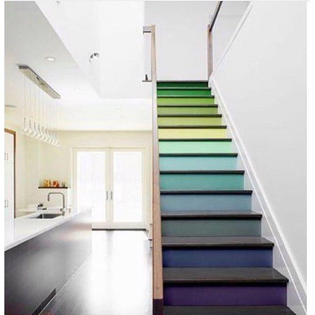 escada-colorida-cores-no-espelho