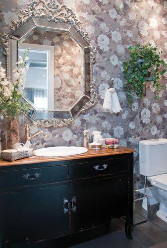 22780-banheiro-com-papel-de-parede-decoracao-hallarquitetura-22780