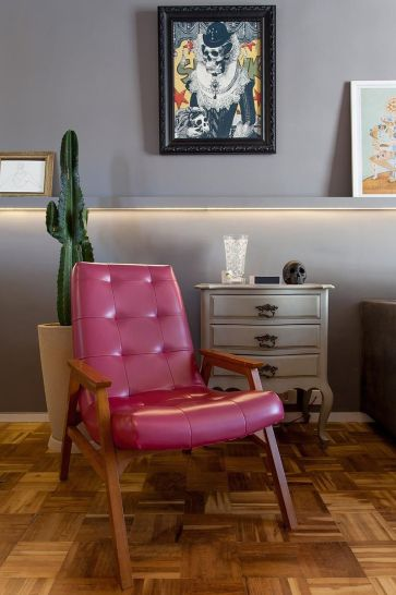 lampadas-de-led-cadeira-vermelha-46257