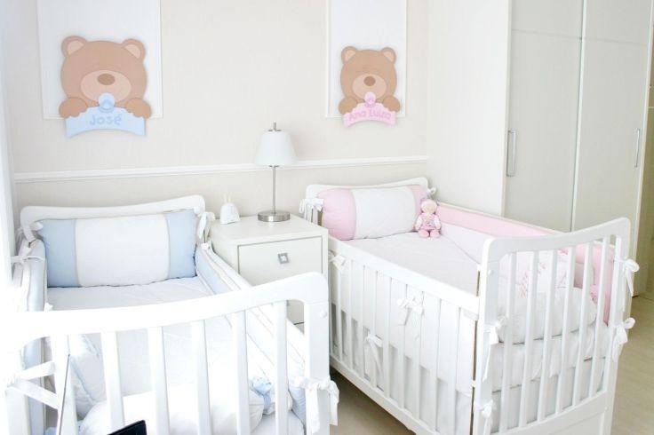 Decoração-de-quarto-de-bebê-para-menino-e-menina-com-base-neutra-azul-e-rosa-Projeto-de-Leiza-Veiga