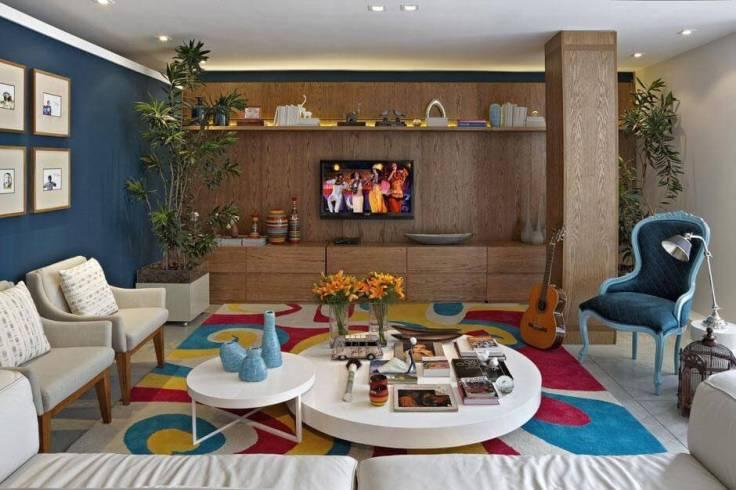 Decoração-ousada-com-tapetes-para-sala-colorido-em-ambiente-colorido-Projeto-de-Gabriele-Luiz