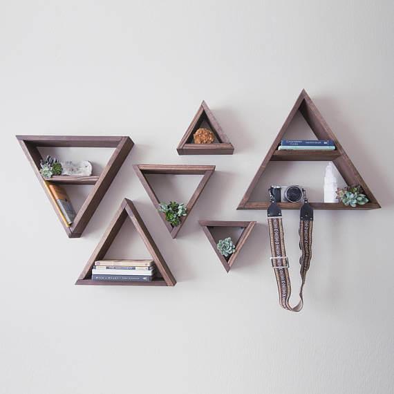 artesanato-em-madeira-nichos-triangulares-em-madeira-escura