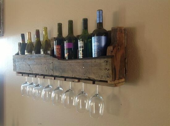 artesanato-em-madeira-objeto-para-guardar-vinhos-e-taças-feito-a-partir-de-pallet