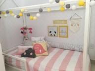 Cama-montessoriana-em-quarto-rosa-branco-e-cinza-Projeto-de-Arq-Express1