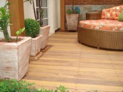 deck-para-jardim-veja-dicas-de-como-usar-e-ideias-de-decoracao-18