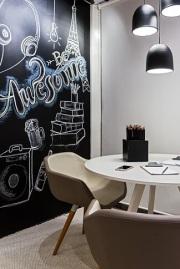 Escritório-com-parede-de-tinta-lousa-desenhada-Projeto-de-Morar-Mais-Por-Menos-Goiânia