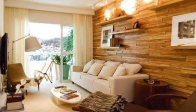 parede-da-sala-com-deck-de-madeira-2-450x257