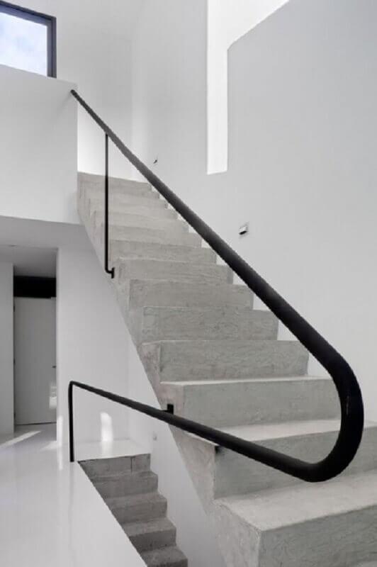 corrimão-preto-para-escada-clean