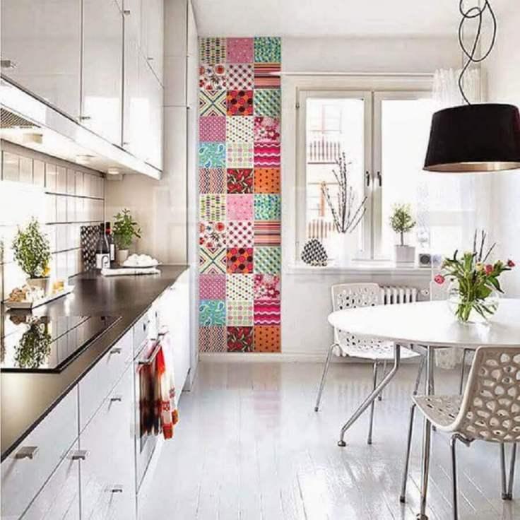 cozinha-clean-com-revestimento-hidráulico-colorido
