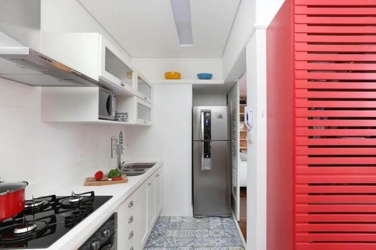 cozinha-vintage-com-piso-hidráulico-archduo-proportional-height_cover_medium