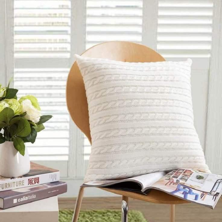 decoração-com-almofada-de-crochê-bonita-e-neutra