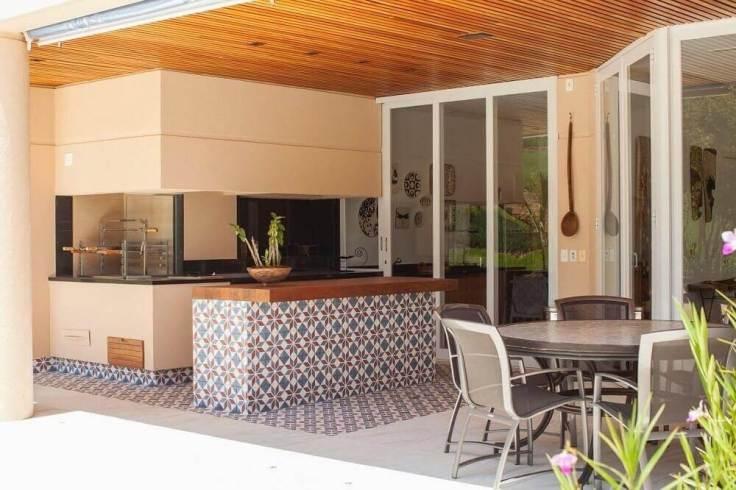 decoração-de-varanda-com-revestimento-hidráulico