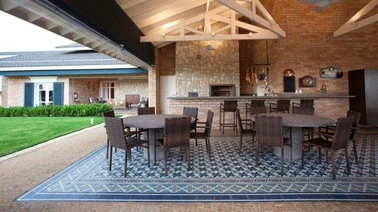 decoração-de-varanda-sofisticada-com-piso-hidráulico