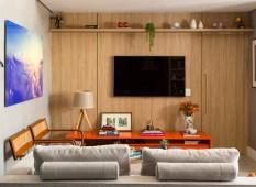 sala-quadro-painel-madeira-movel-marcenaria-luminaria-de-chao-prateleira