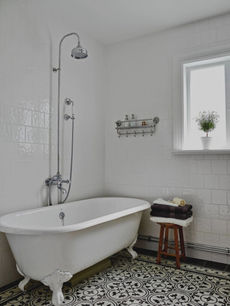 bonita-banheira-vitoriana-casal-que-gra-a-decora-o-pinterest-banheiros-banheiras-e